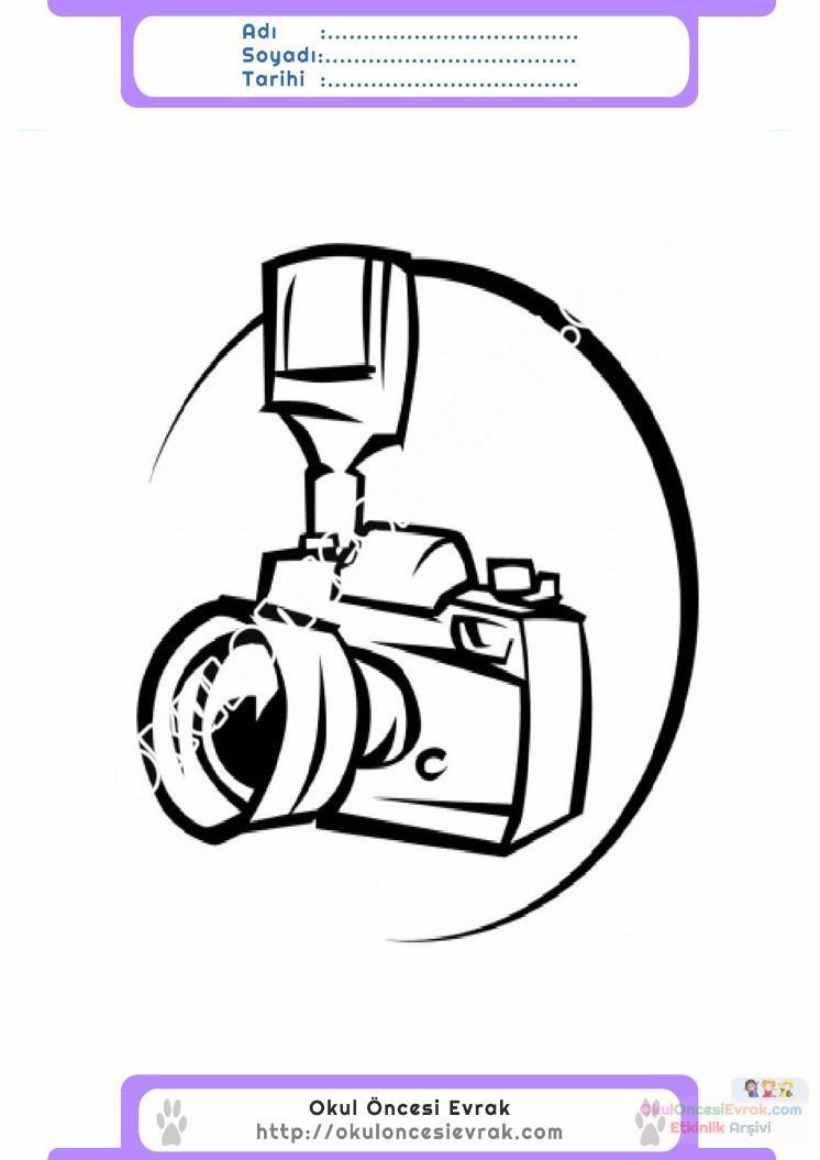 Cocuklar Icin Fotograf Makinesi Esyalar Boyama Sayfasi 1