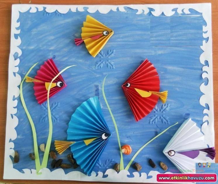 Как сделать из цветной бумаги рыбку
