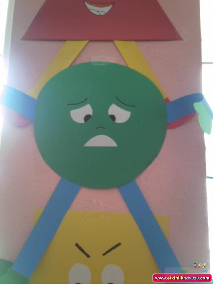 okul öncesinde geometrik,mevsim,renk, hava duygu grafikler  (208)